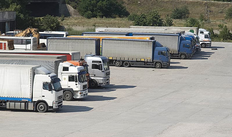 Стоянка для грузовиков в Санкт-Петербурге