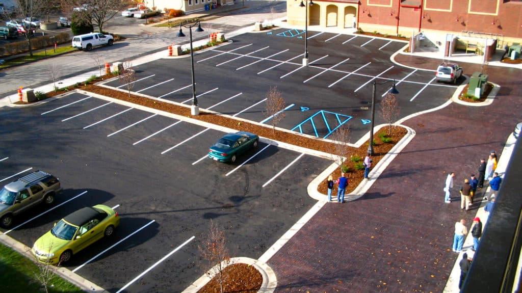 Хранение автомобиля на парковке