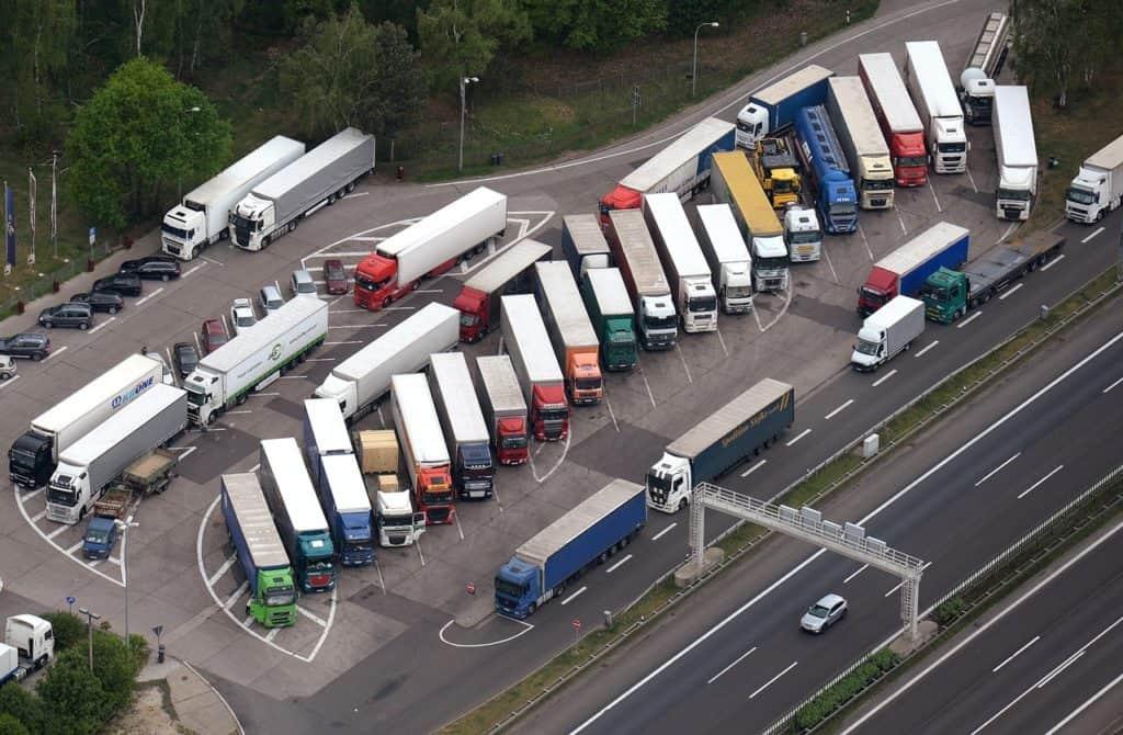 Стоянки для грузовых автомобилей